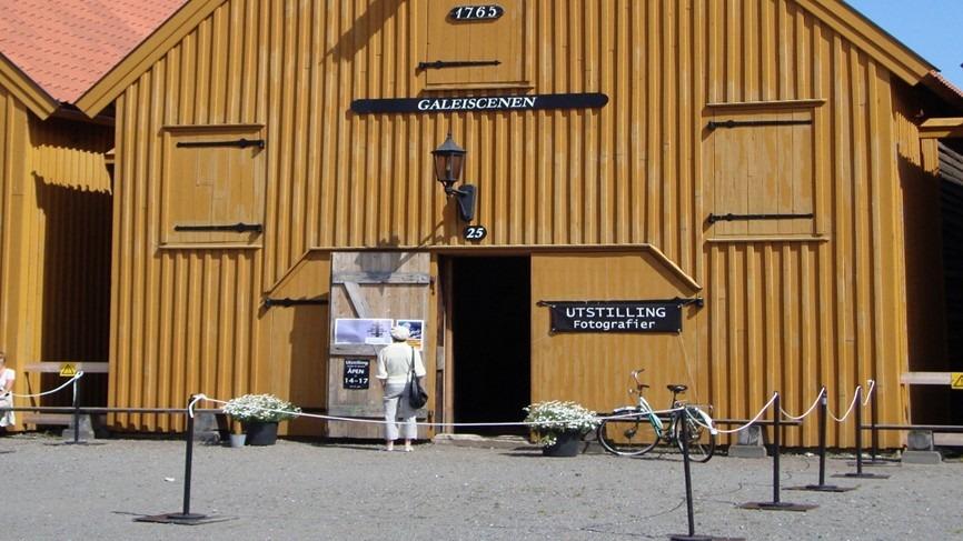 Bildet av Galeiscenen som holder til i Galeiskur nummer 14 i Fredriksvern Verft, Stavern.