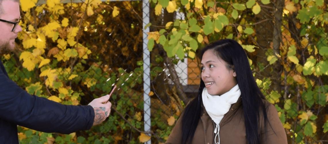5 på gata - Hva skjer når du påpeker at folk har morsom stemme på video?